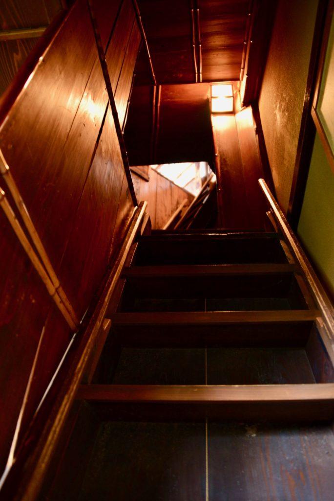 望楼への階段