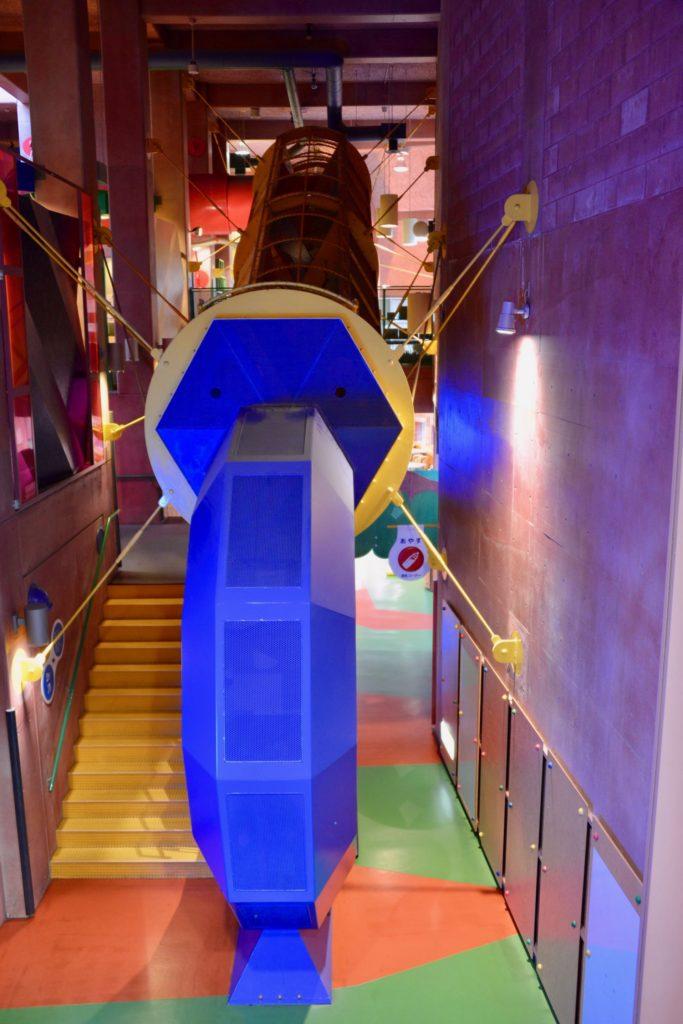 プレイトンネル出入口